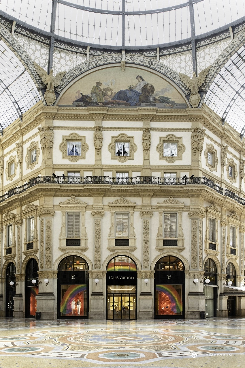 [사진자료] 루이 비통 밀라노 비토리오 에마누엘레 II 갤러리아 매장 외관 전경.jpg
