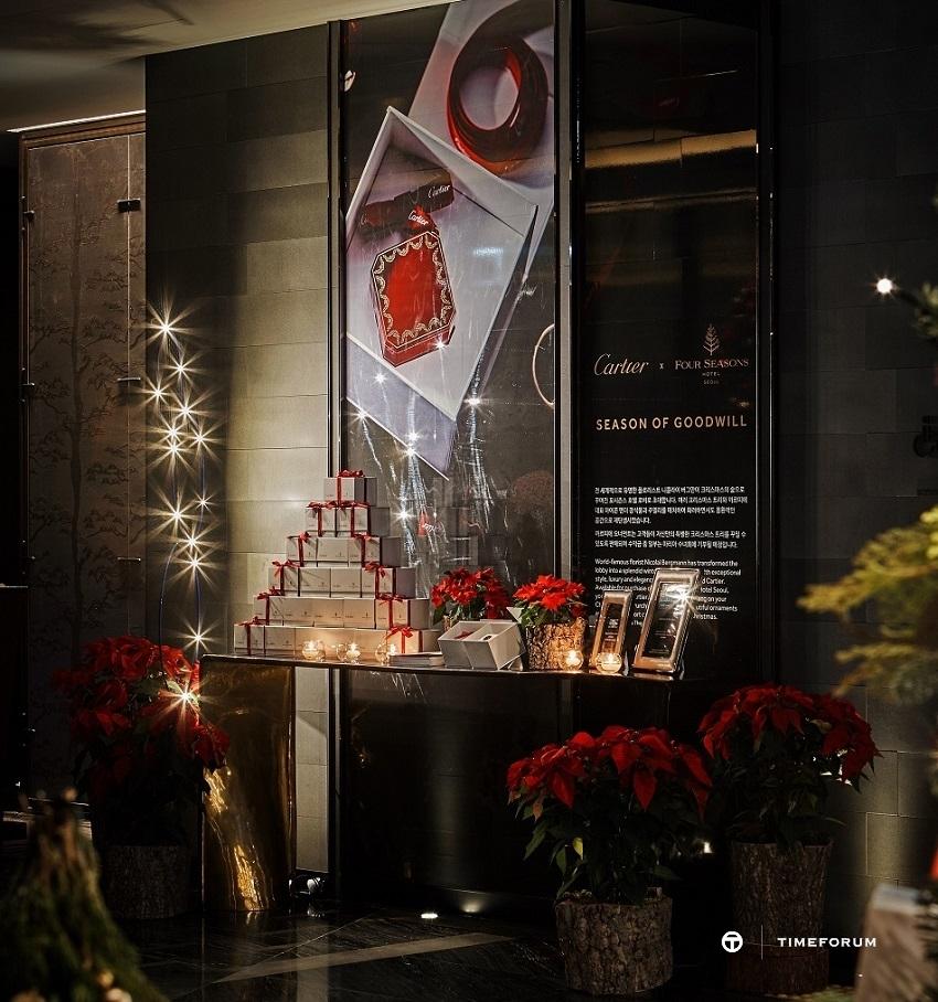 [포시즌스 호텔 서울] 까르띠에 크리스마스 트리 포레스트 2.jpg