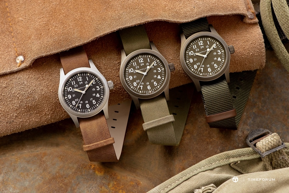 H69449961_H69439531_H69449861_Khaki Field Mechanical_Lifestyle 3.jpg