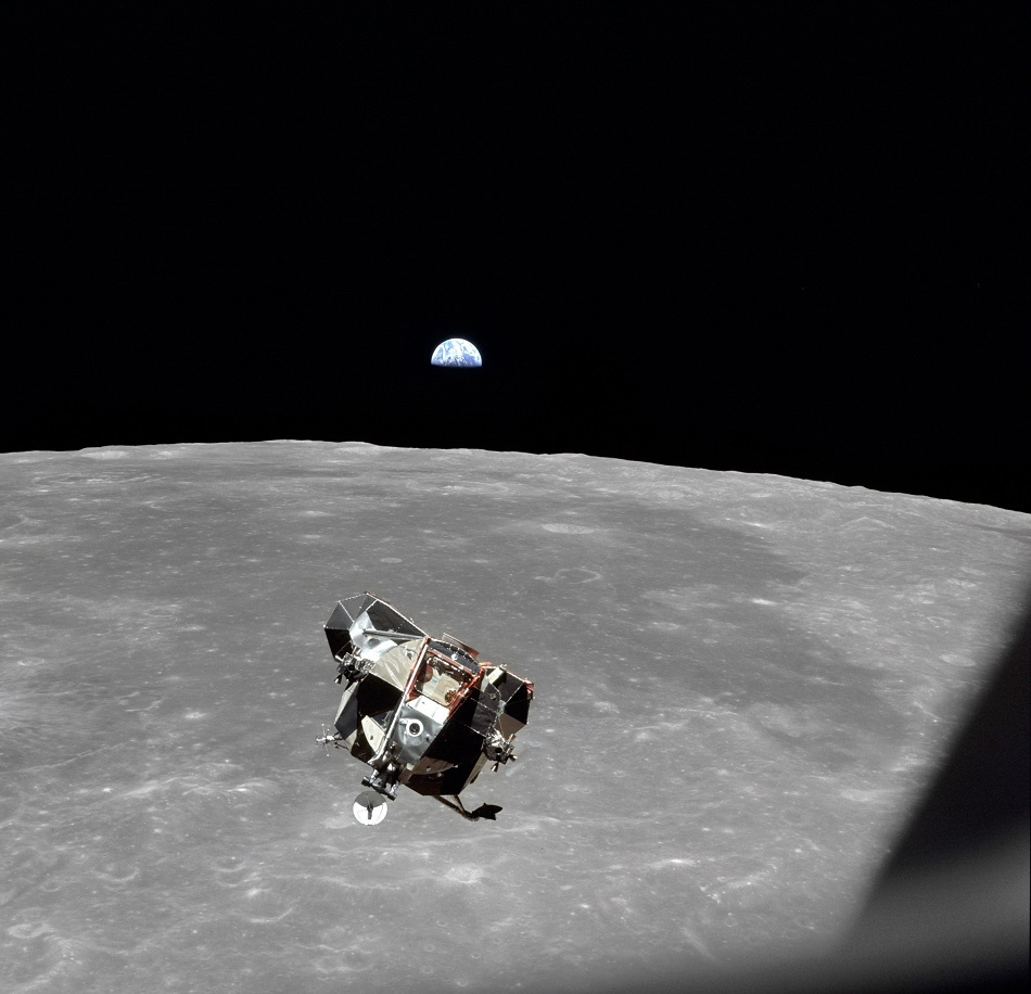 17-54-00goodbye-moon-credit-nasa-jpg.jpg