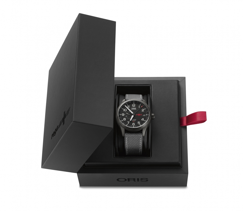 01 748 7710 4284-Set - Oris GMT Rega Limited Edition_HighRes_7517.jpg