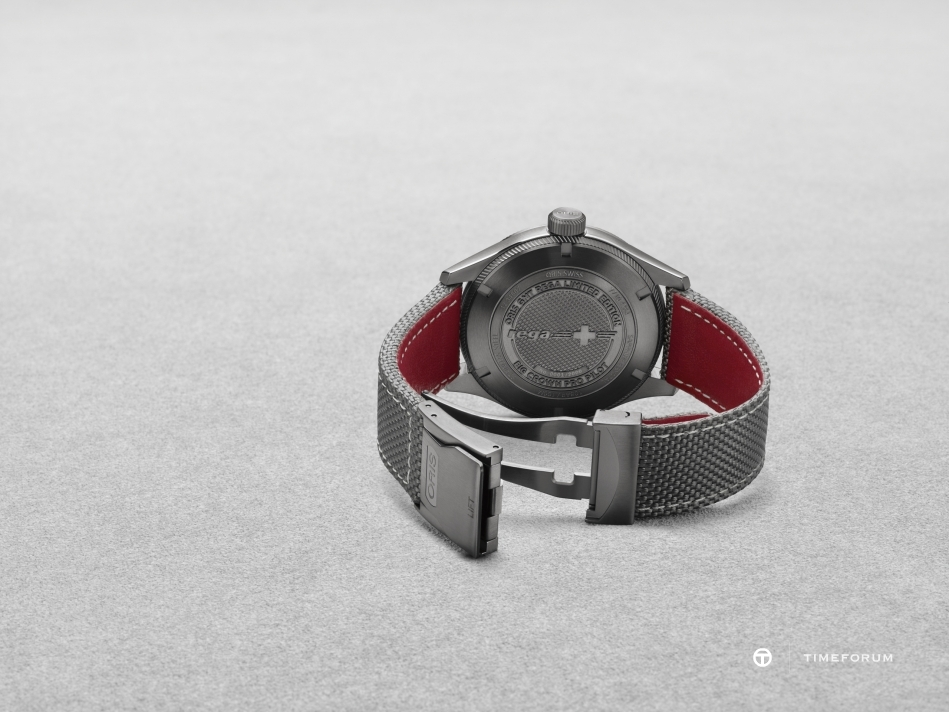 01 748 7710 4284-Set - Oris GMT Rega Limited Edition_HighRes_7809.jpg