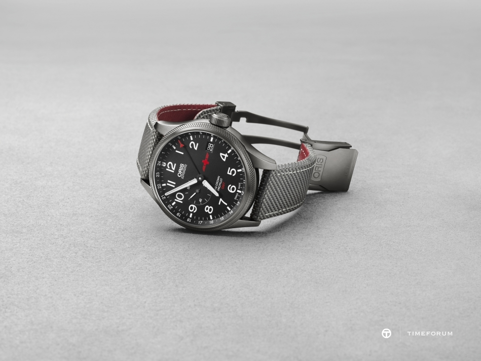 01 748 7710 4284-Set - Oris GMT Rega Limited Edition_HighRes_7499.jpg