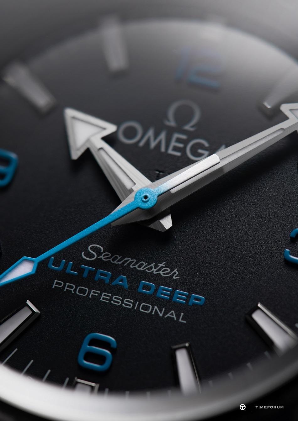 omega215-92-52-21-99-001hand-jpg.jpg