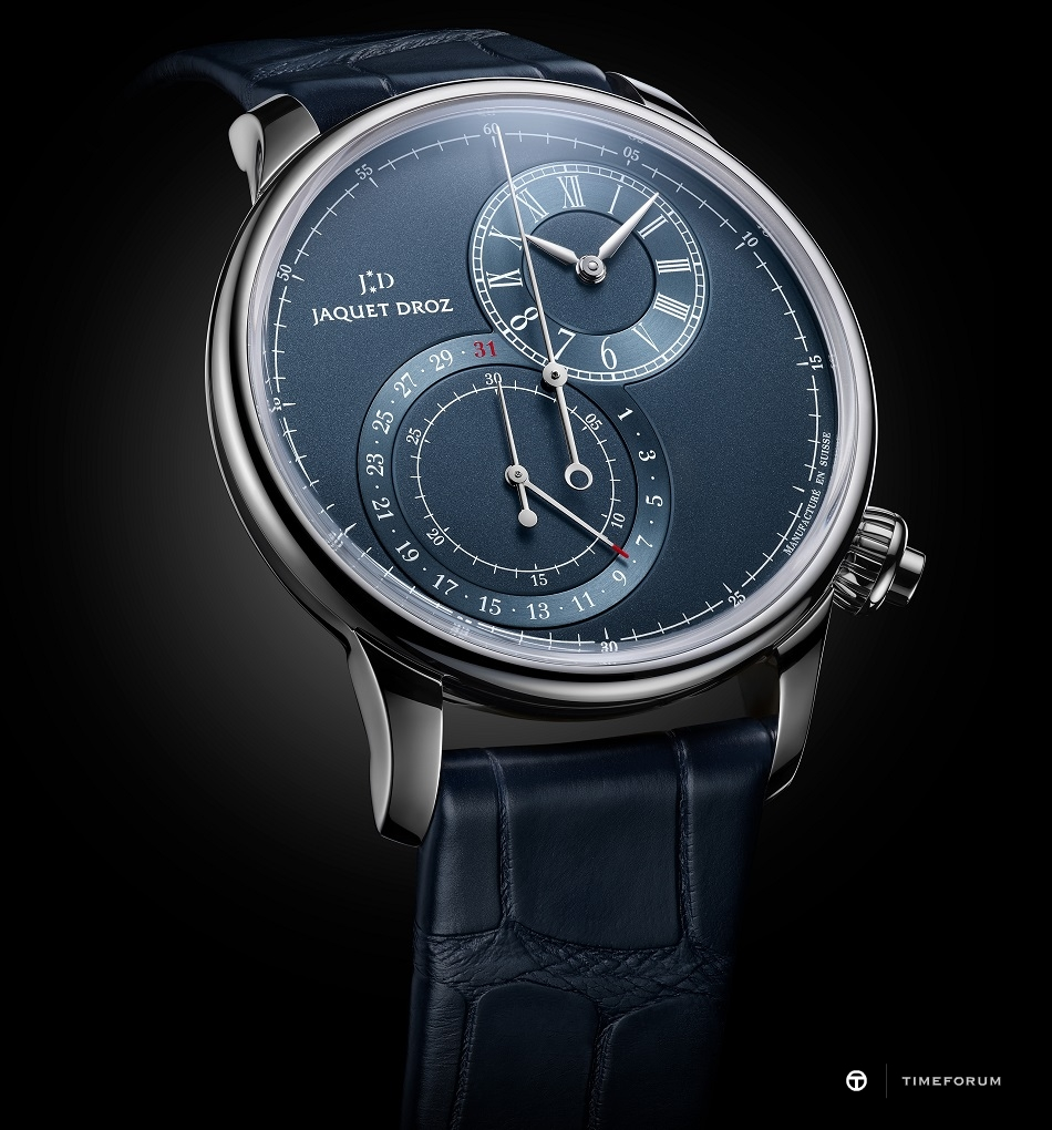 J007830241_GRANDE SECONDE CHRONOGRAPH OFF-CENTERED BLUE_AMBIANCE.jpg