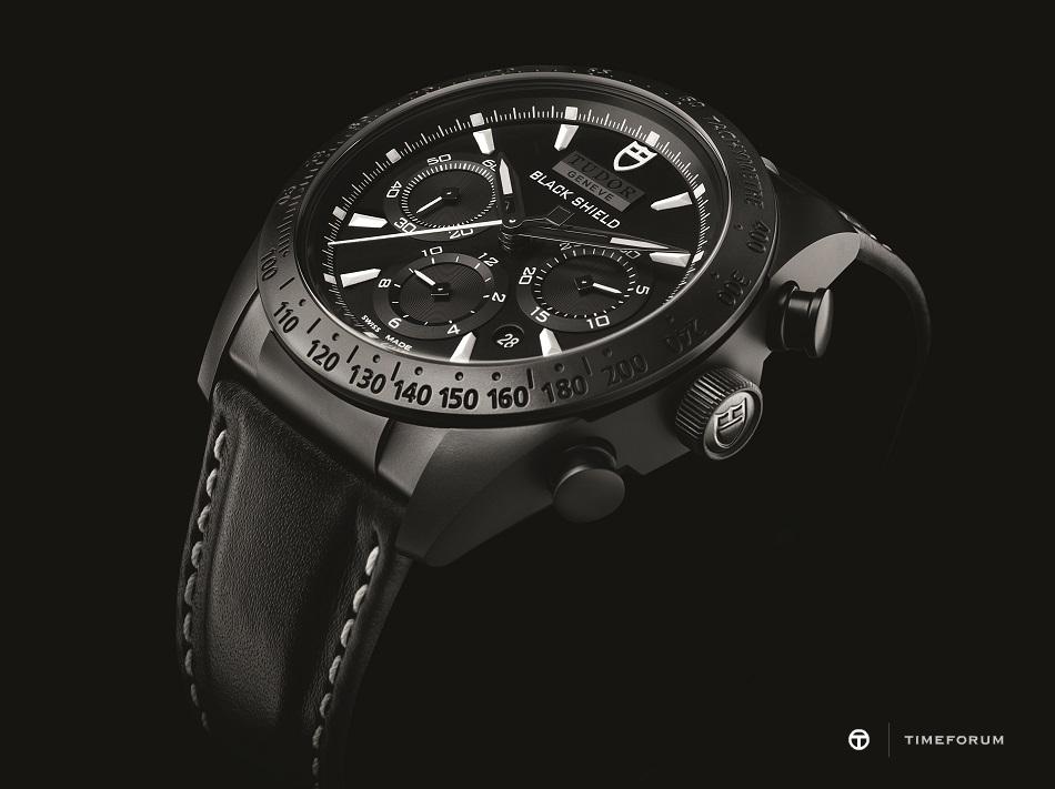 42000cn-0017_black_leather_black_det01.jpg