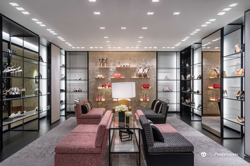 ccc-chanel-fashion-boutique-in-seoul-galleria-department-store-2nd-floor-7.jpg