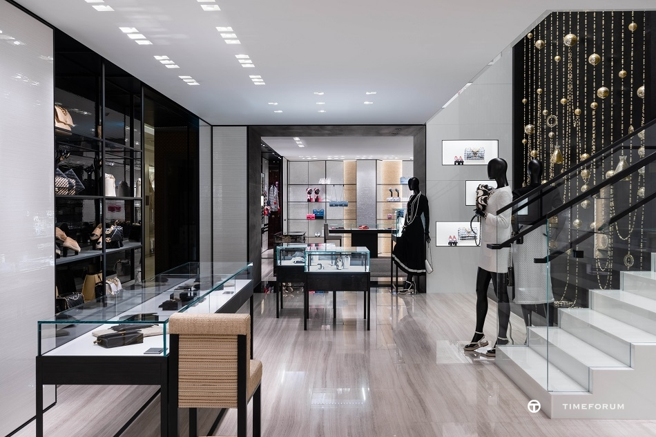 ccc-chanel-fashion-boutique-in-seoul-galleria-department-store-1st-floor-5.jpg