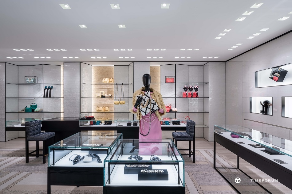 ccc-chanel-fashion-boutique-in-seoul-galleria-department-store-1st-floor-2.jpg