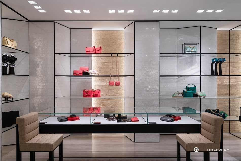 ccc-chanel-fashion-boutique-in-seoul-galleria-department-store-1st-floor-3.jpg
