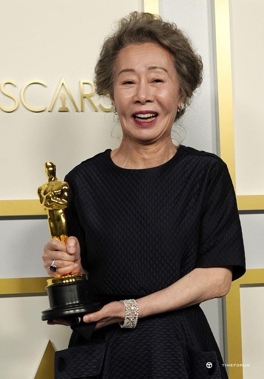 Oscar Winner Yuh-Jung Youn in Chopard.jpg