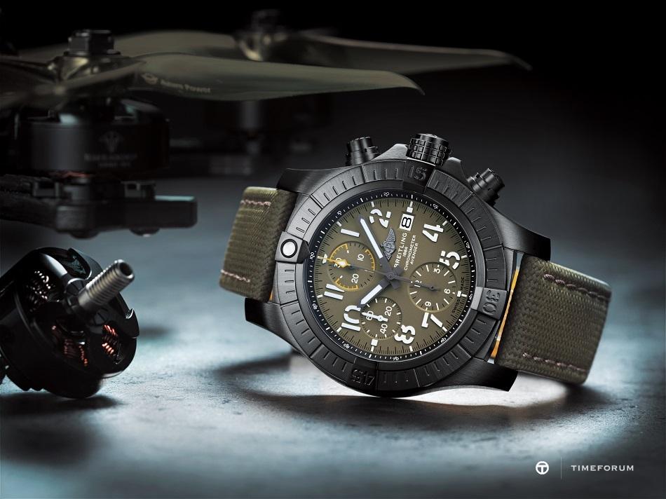 05_avenger-chronograph-45-night-mission-1.jpg
