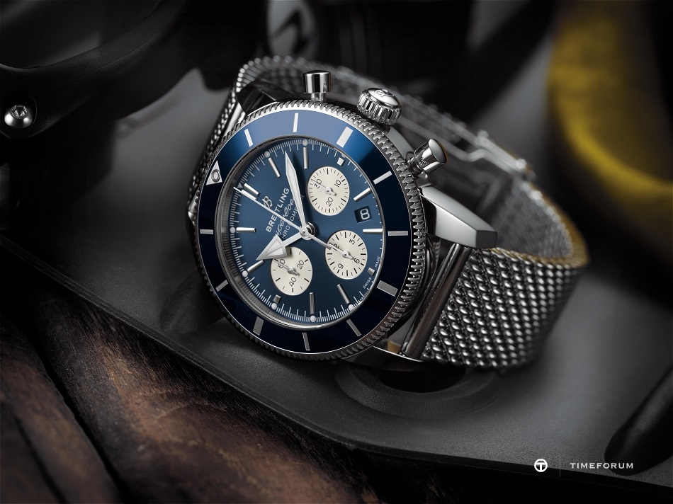 Superocean_Heritage_II_B01_Chronograph_44_with_blue_dial_and_Ocean_Classic_steel_bracelet_Kopiee.jpg