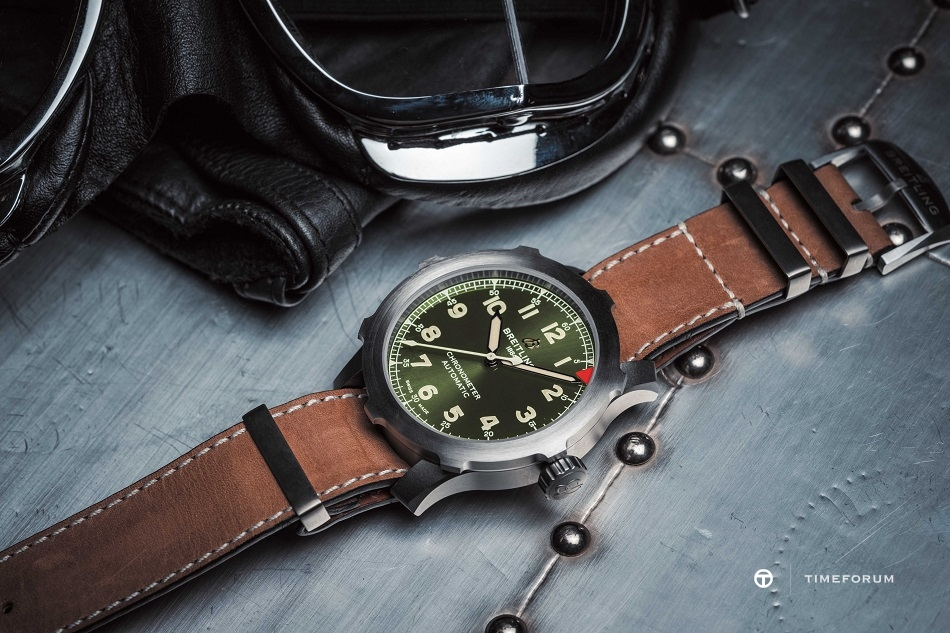 Navitimer_Super_8_B20_Automatic_46_in_titanium_with_green_dial_and_brown_NATO_leather_strap_20441.jpg