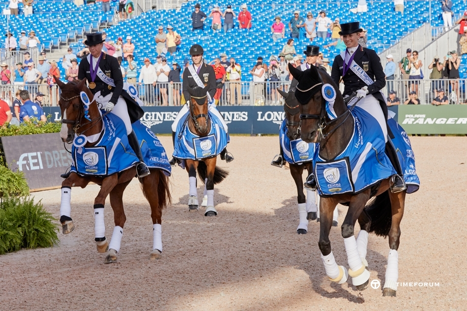 Dressage-Team-Wnrs-GER.jpg