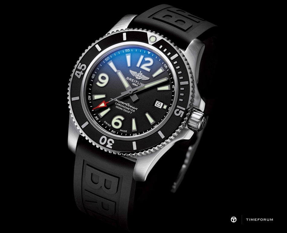 88-1-2_Superocean_44_with_black_dial_and_black_Diver_Pro_III_rubber_strap_21700_19-03-19.jpg