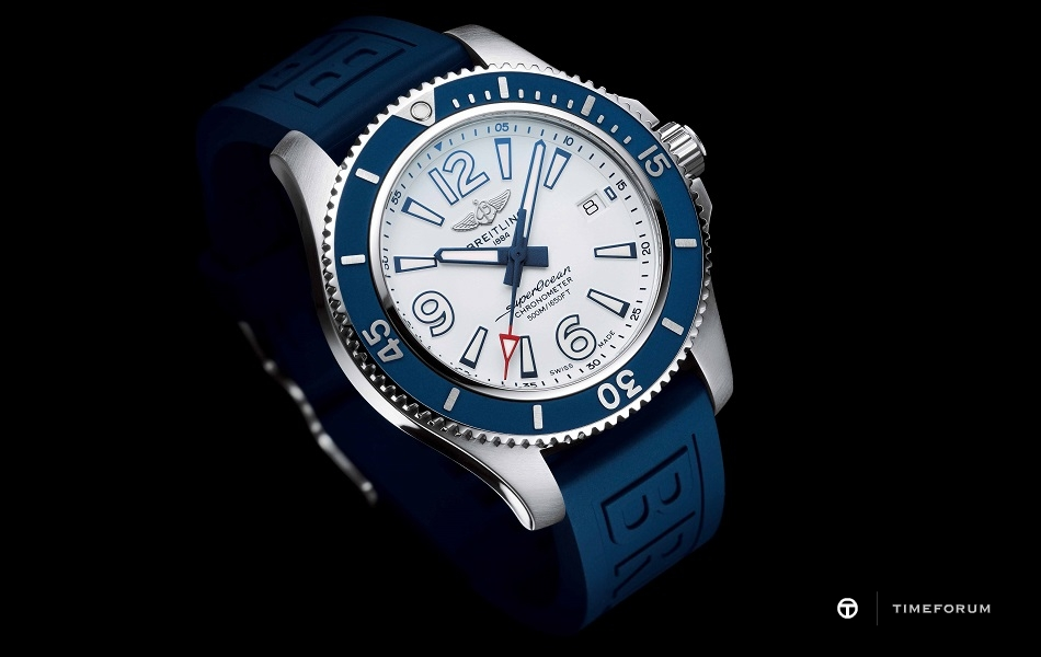88-1-3_Superocean_42_with_white_dial_and_blue_Diver_Pro_III_rubber_strap_21711_19-03-19.jpg
