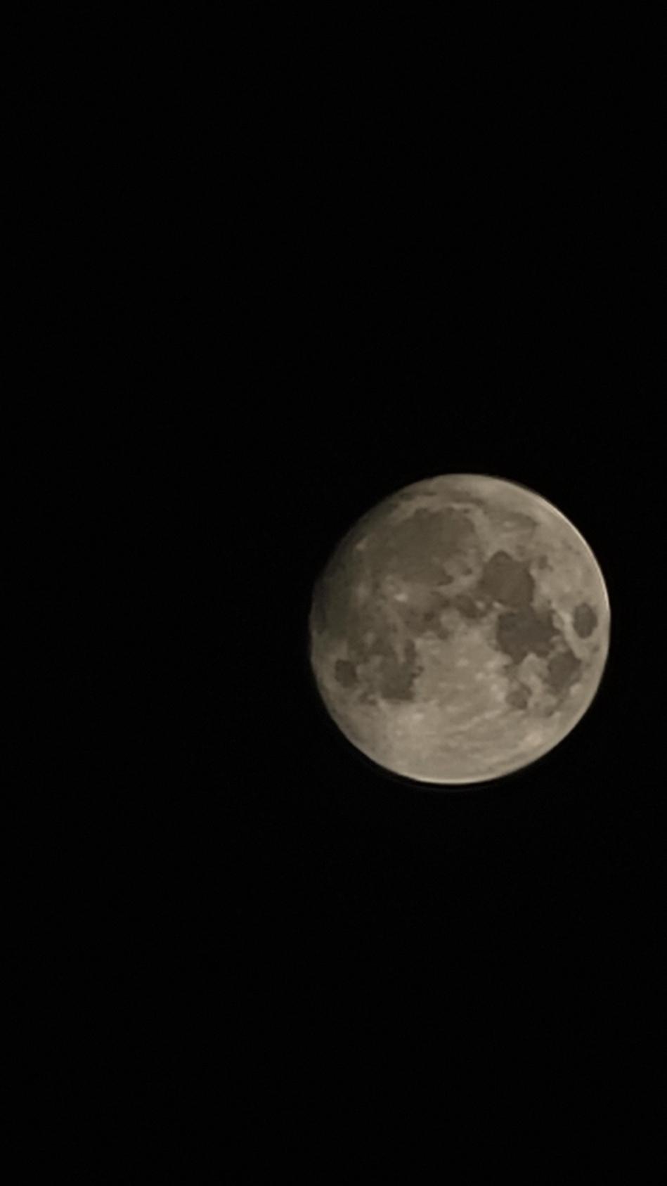 20210723_000044.jpg : 밤 하늘에 보름달이 떳네요
