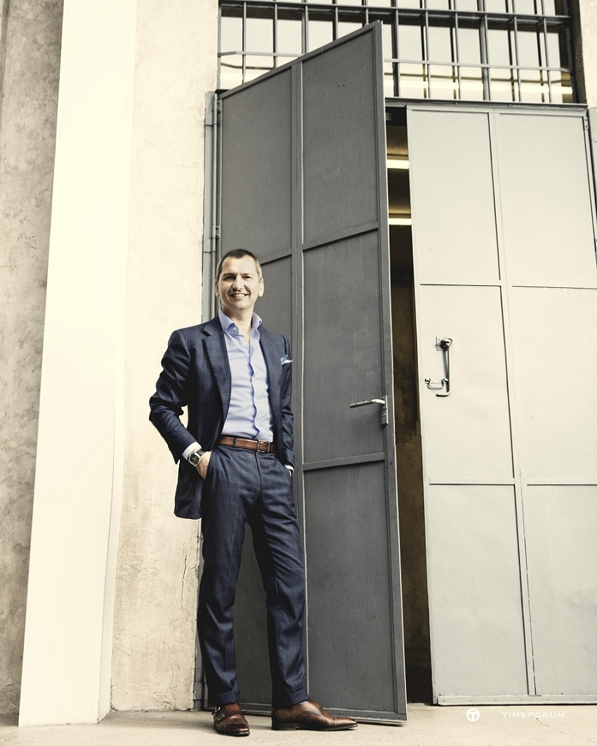 Alessandro Ficarelli_Product Director portrait1_1913122.jpg