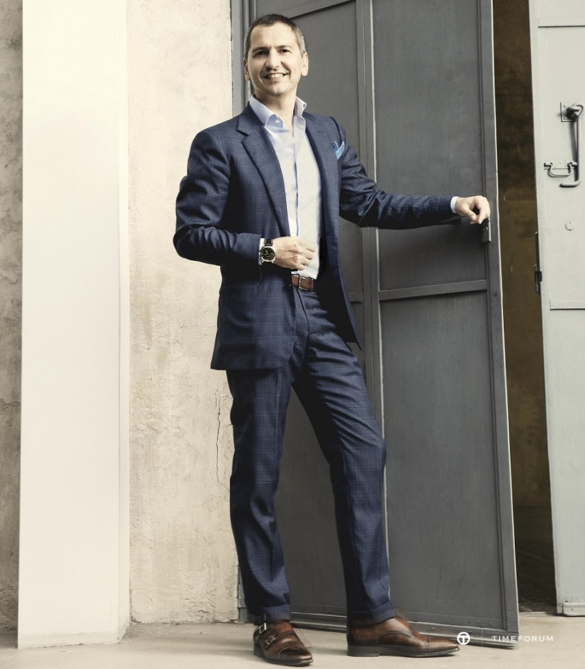Alessandro Ficarelli_Product Director portrait_1913121.jpg