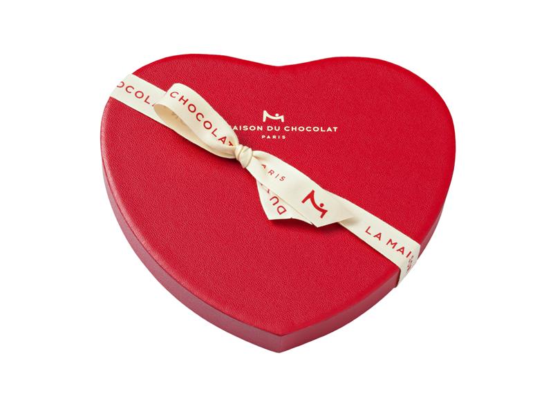 [apr] La Maison du Chocolat Heart giftbox size 2-002.PNG