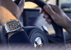 RM40-01 하이퍼카에서 하이퍼 와치로