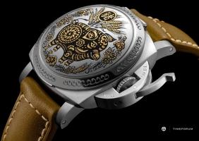'황금돼지의 해'를 기념하는 파네라이 스페셜 에디션 PAM00859