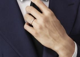 반클리프 아펠의 클래식 웨딩 밴드 신제품